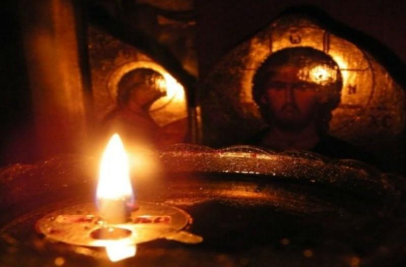 Το Άγιο Φως δεν θα διανεμηθεί στην επικράτεια - Θα παραμείνει στην Αθήνα  (Video) - Ειδήσεις - Athens magazine