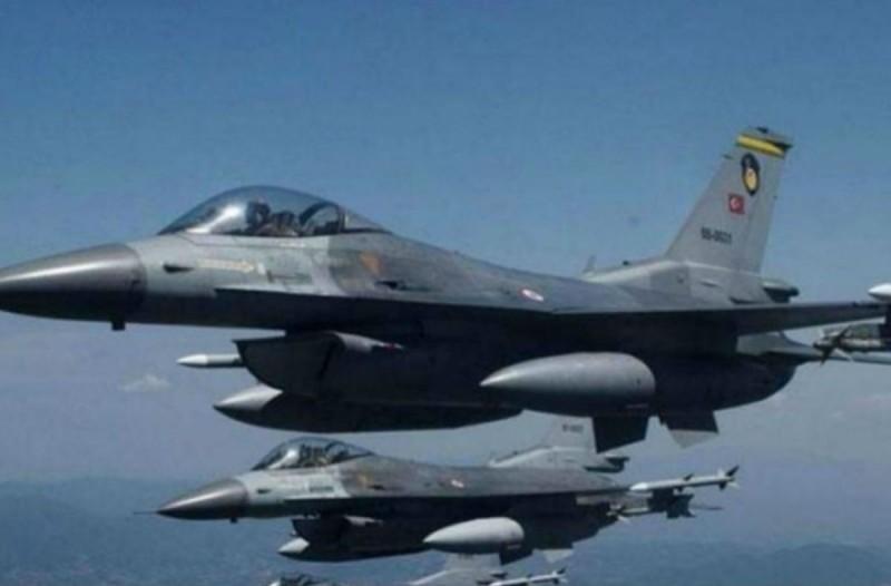 Συναγερμός στο Αιγαίο: Νέες υπερπτήσεις τουρκικών F-16 σε Φαρμακονήσι και Αγαθονήσι