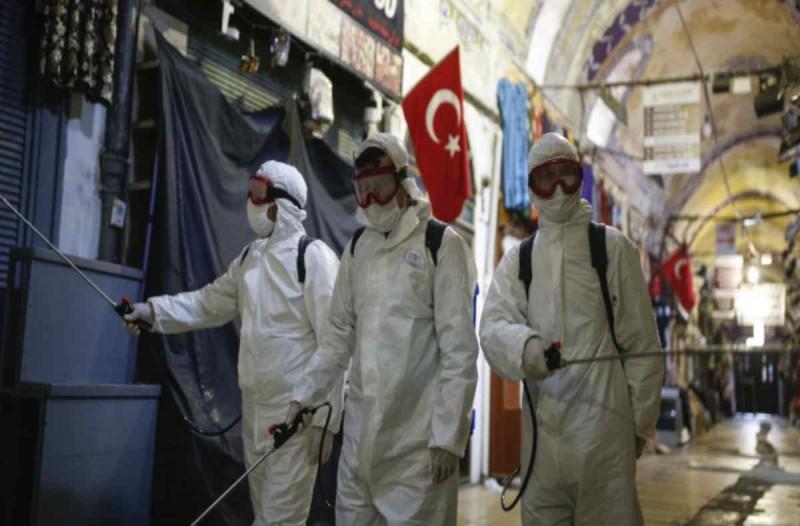 Τουρκία  - Κορωνοϊός: Καλπάζει ο αριθμός - 2.456 κρούσματα το τελευταίο 24ωρο
