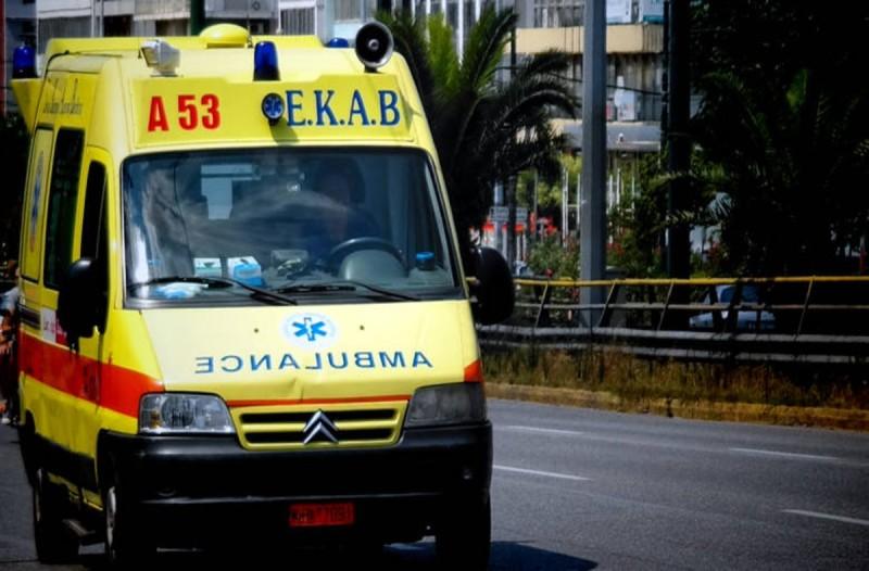 Σοκ: Ηλικιωμένη έπεσε από το μπαλκόνι του σπιτιού της