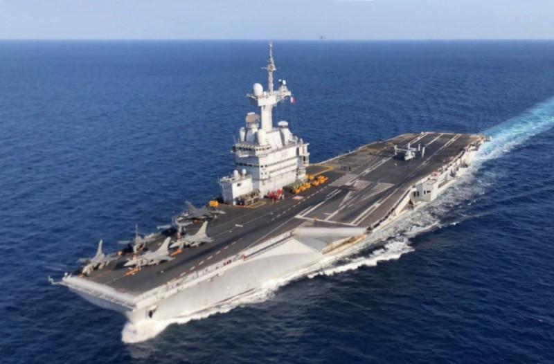 Πανικός στη θάλασσα: Αεροπλανοφόρο γυρίζει άμεσα λόγω ύποπτων κρουσμάτων κορωνοϊού σε 40 ναύτες!