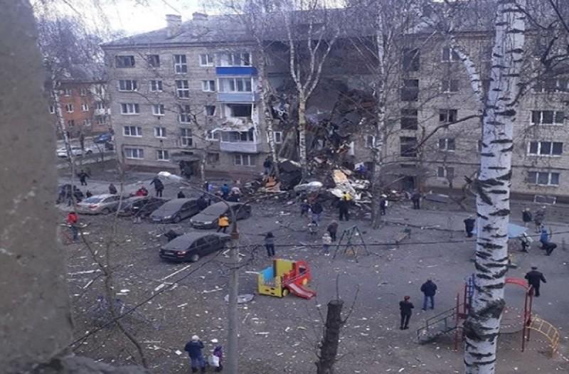 Κατέρρευσε πολυκατοικία μετά από έκρηξη στη Ρωσία - Ένας νεκρός (photo-video)