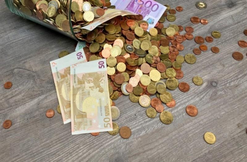 Κορωνοϊός: Πότε θα μπει στην τσέπη σας το επίδομα των 800 ευρώ;