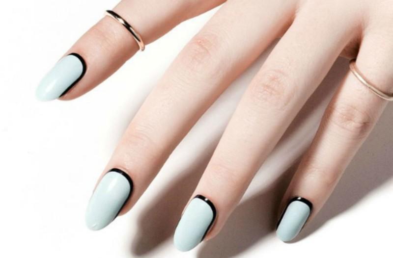 3+1 βήματα για να αφαιρέσετε το ημιμόνιμο από τα νύχια μόνες σας - Το κόλπο με το αλουμινόχαρτο (Video)