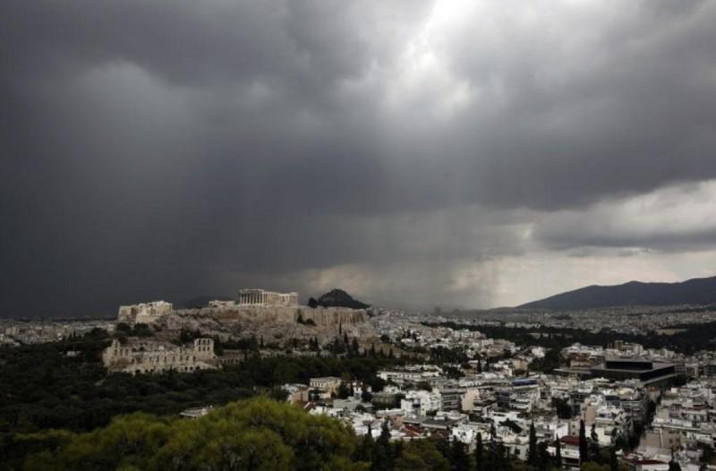Καιρός: Συνεχίζονται οι θυελλώδεις άνεμοι στην χώρα - Δείτε πού θα βρέξει