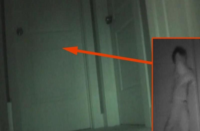 Έβαλαν κρυφή κάμερα για να δουν τι συμβαίνει στην κόρη τους το βράδυ - Μόλις το δείτε θα πάθετε σοκ