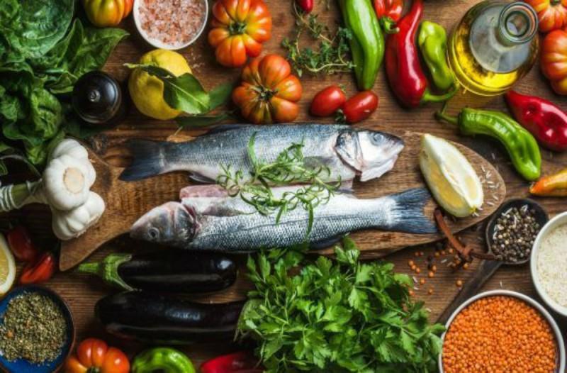 Αυτά είναι τα τρόφιμα που συστήνει ο κ. Τσιόδρας να καταναλώνουμε στην καραντίνα