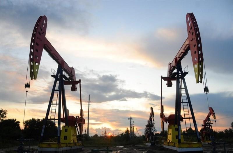 Σοκ με το πετρέλαιο: Κι άλλη μεγάλη πτώση του αργού