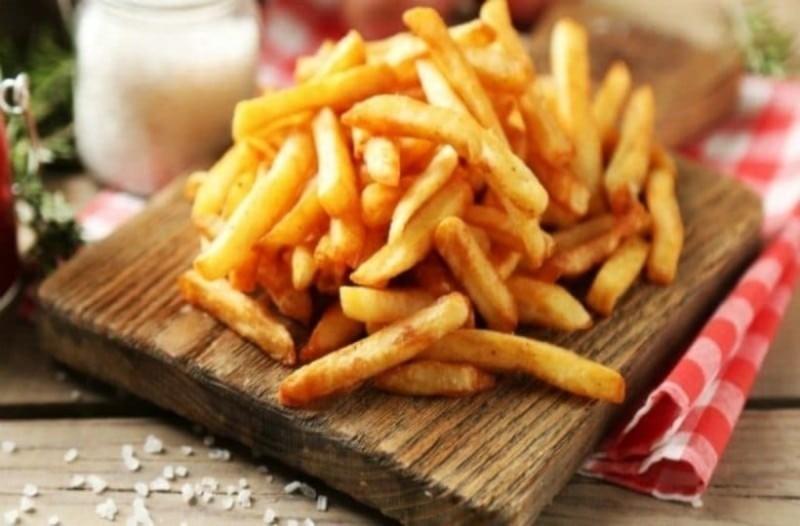 Τηγανητές πατάτες - καρκίνος: Το μοιραίο λάθος στο τηγάνισμα που αυξάνει τον κίνδυνο εμφάνισής του