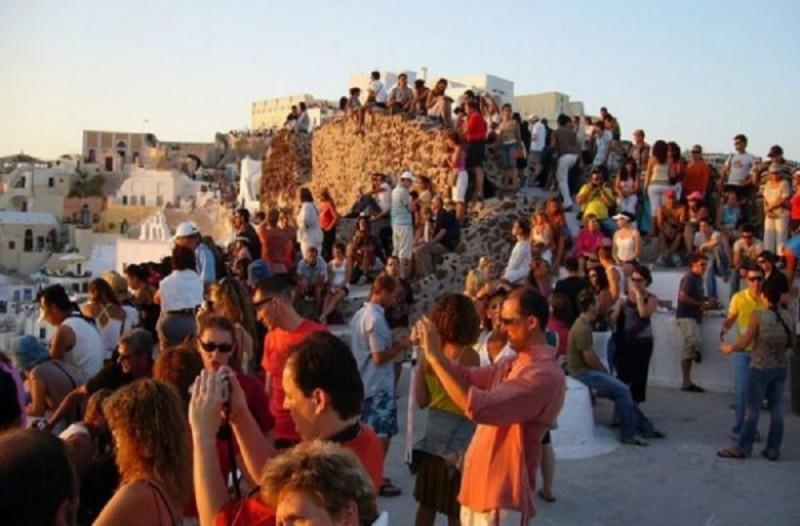 Ξεχάστε όσα ξέρατε: Οι νέοι τουριστικοί κανόνες στην Ελλάδα μετά τον κορωνοϊό