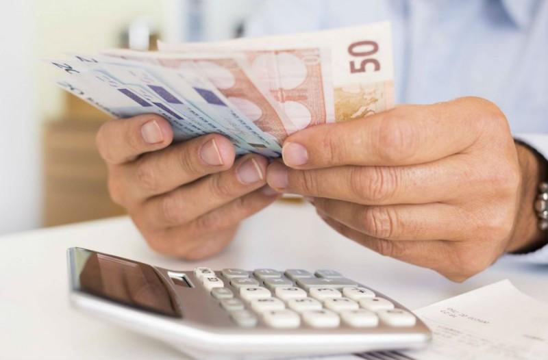 Επίδομα 800 ευρώ: Ποιοι πρέπει να το επιστρέψουν