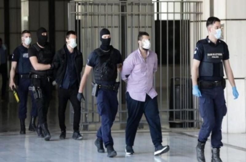 Δίκη Τοπαλούδη: Ισόβια και κάθειρξη 15 ετών και για τους δύο κατηγορουμένους