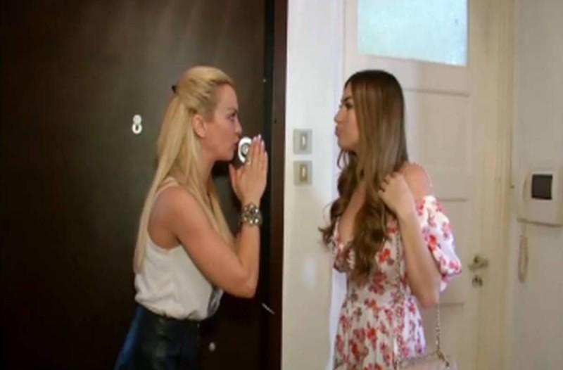 Διλήμματα: Η Μαρίνα ανακάλυψε ότι η αδερφή της είχε παράνομο δεσμό με το αγόρι που έκανε σχέση