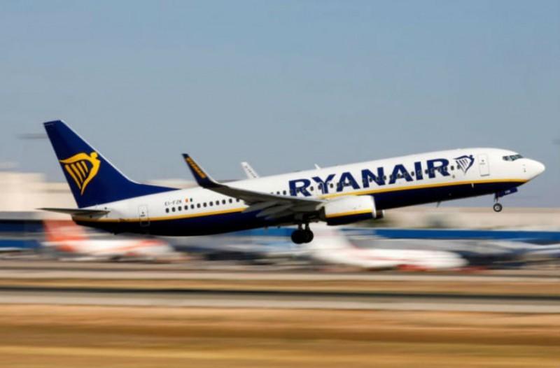 Ryanair προσφορά: Εισιτήρια για εξωτερικό με ούτε 30 ευρώ για Ιούλιο και Αύγουστο
