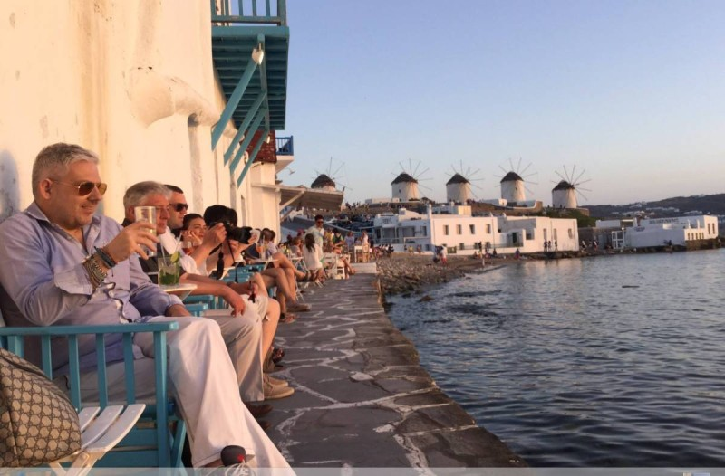 Μύκονο με τον Τάσο Δούση: Κάθε γνωστή και άγνωστη πλευρά του νησιού - Φαγητό, παραλίες, ξενοδοχεία, αξιοθέατα, μυστικά