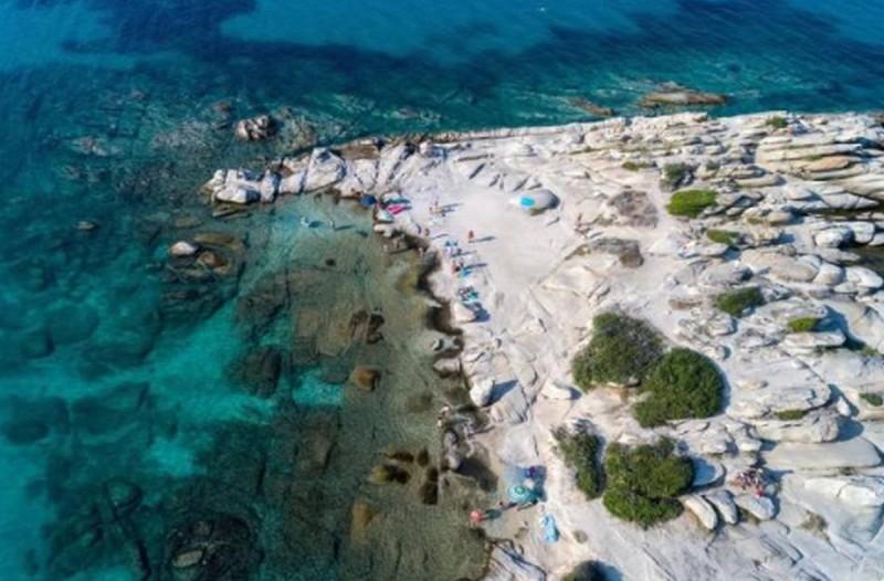 1+1 ελληνικές παραλίες που αποθεώνουν οι ξένοι: Μια γνωστή και μια άγνωστη