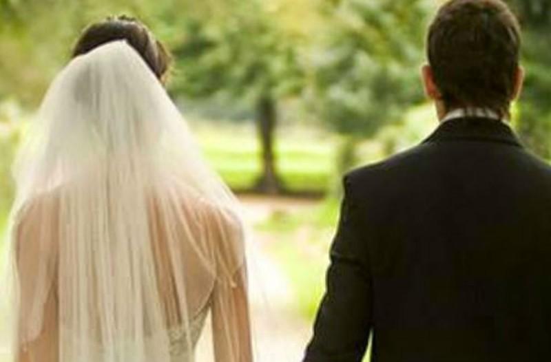 Είναι ένα ζευγάρι σε ένα γάμο και λέει η σύζυγος... Το ανέκδοτο της ημέρας (23/05)