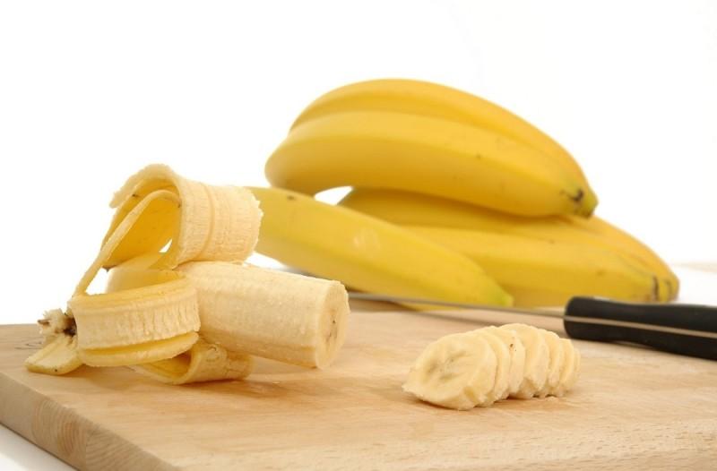 Σούπερ δίαιτα με μπανάνες - Καταναλώστε από μια κάθε πρωί και θα μείνετε άφωνες