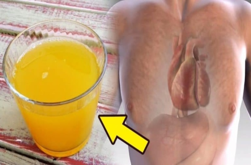 Πίνει ένα ποτήρι με ζεστό νερό και κουρκουμά κάθε μέρα - Αυτό που συμβαίνει στο σώμα είναι εκπληκτικό