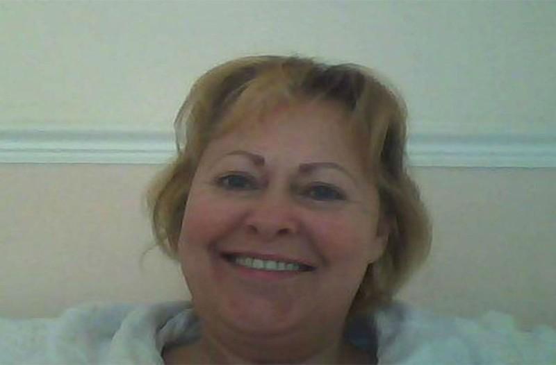 Αυτή η 61χρονη πέθανε ξαφνικά μέσα στο σπίτι της - Μόλις δείτε τι έκαναν τα σκυλιά της θα σοκαριστείτε