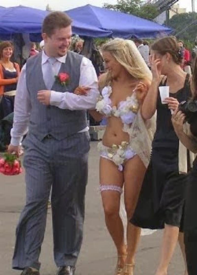 νυφικό σε γάμο στη Ρωσία
