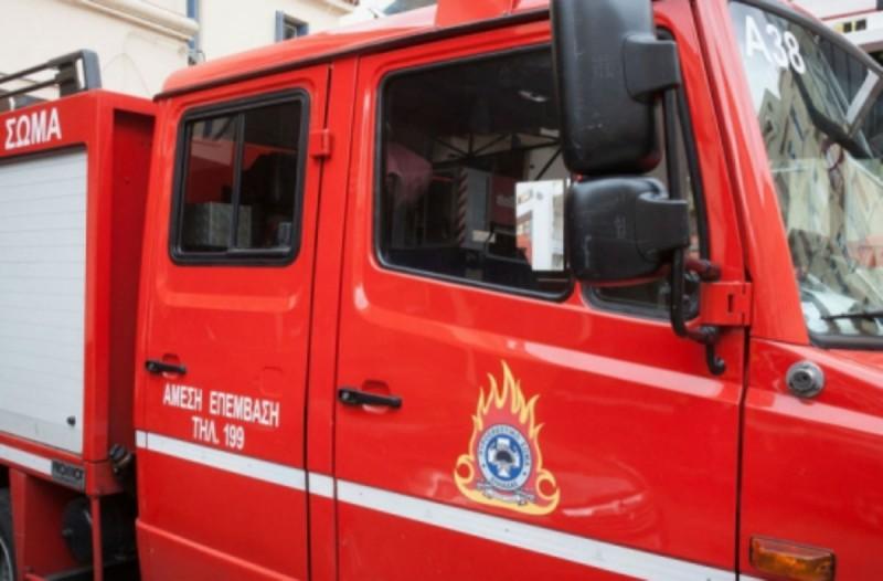 Συναγερμός στο Παγκράτι - Επιχείρηση απεγκλωβισμού ατόμου από φρεάτιο ασανσέρ