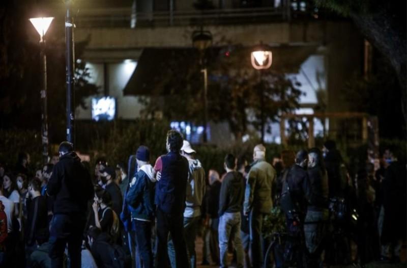 Κορωνοϊός: Αλλάζει στάση απέναντι στα υπαίθρια πάρτι η Αστυνομία