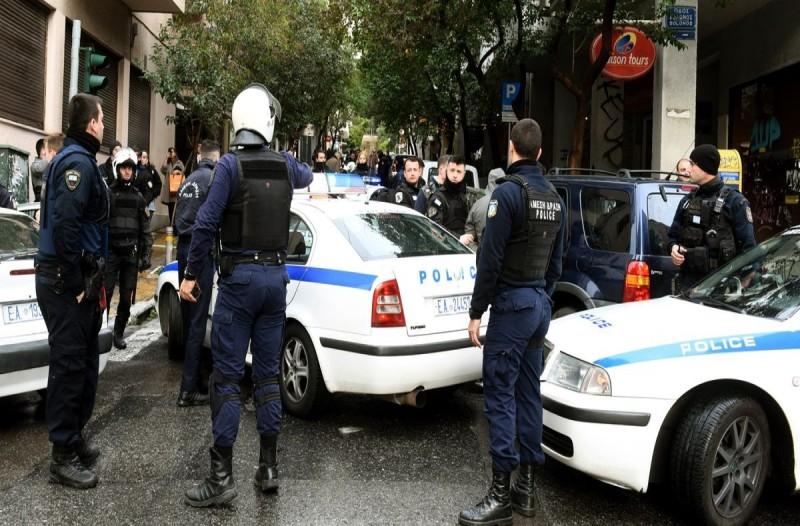 Πανικός στο Ρέντη: Τρομερά επεισόδια οπαδών με την Αστυνομία και 8 συλλήψεις