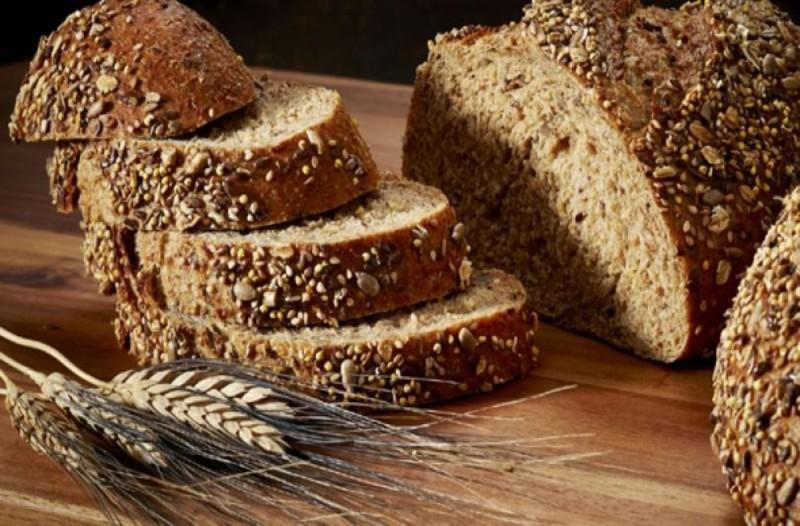 Συνδυάστε τα μπιφτέκια με μαύρο ψωμί - Σύμμαχος για την υγεία
