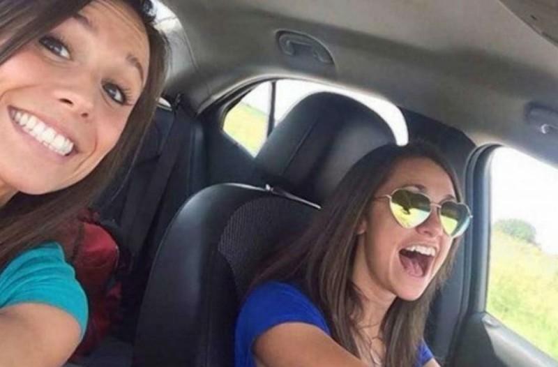 26χρονη τράβηξε αυτή τη selfie με την φίλη της και 8 λεπτά μετά...