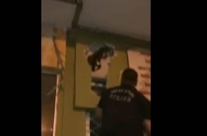 Κτηνωδία στην Θεσσαλονίκη: Ασυνείδητος «έχτισε» ζωντανή γάτα σε μαγαζί (video)