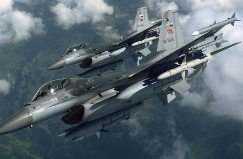 Συναγερμός στο Αιγαίο: Υπερπτήση τουρκικών μαχητικών F-16 πάνω από το Φαρμακονήσι