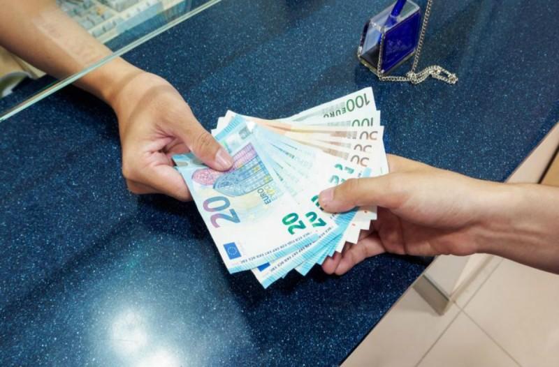 Αποζημίωση ειδικού σκοπού: Ποιοι οι δικαιούχοι των 800 ευρώ