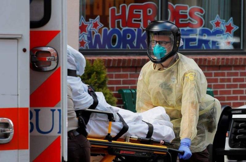 Παγκόσμιο σοκ: 2.448 θάνατοι σε μια μέρα στις ΗΠΑ από κορωνοϊό