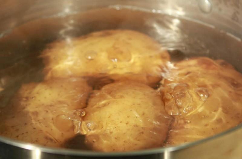 Προσοχή: Μήπως κάνετε αυτό το λάθος όταν βράζετε πατάτες;