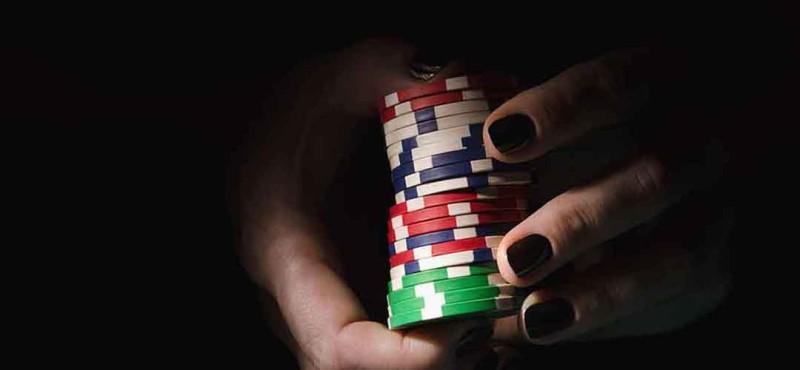 Έκλεψε την φίλη της και έπαιξε τα λεφτά στο καζίνο