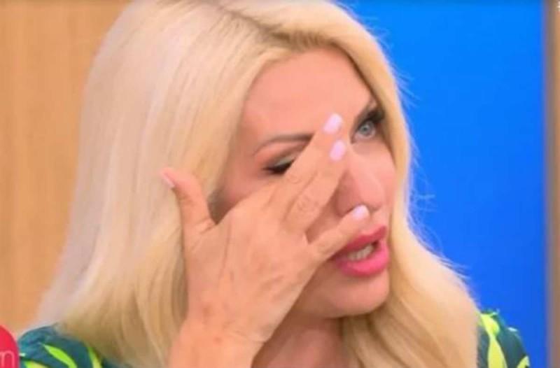 Έκλαιγε με λυγμούς η Ελένη Μενεγάκη