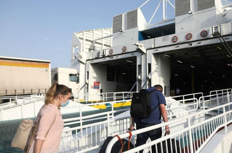 Άρση μέτρων: Νέα δεδομένα για τους επιβάτες στα πλοία