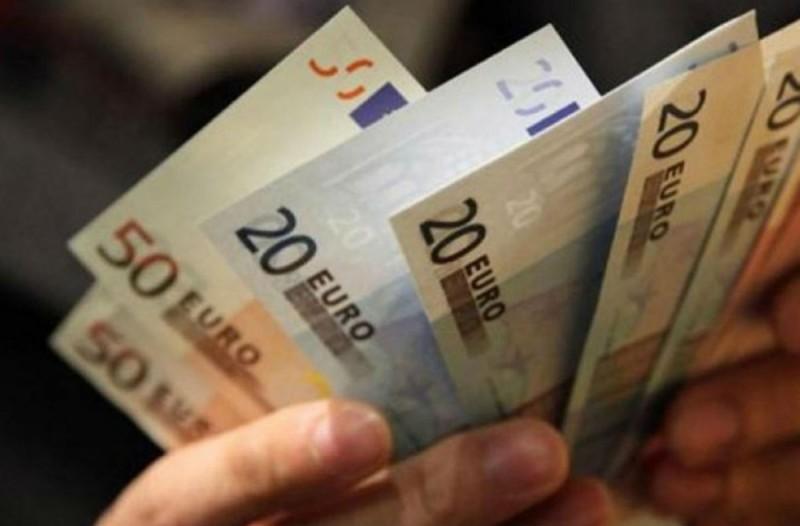 Έκτακτο επίδομα 700 ευρώ - Ποιοι οι δικαιούχοι