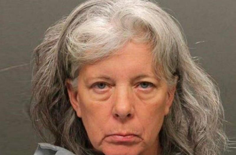 55χρονη γιαγιά σκότωσε τα δίδυμα 8χρονα εγγόνια της και μετά...