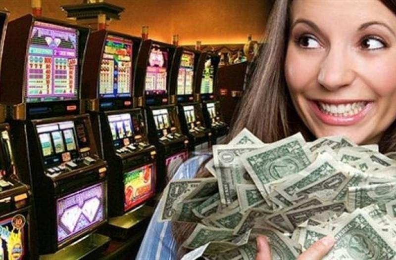 Ρόδος: Έκλεψε από την φίλη της 300.000 ευρώ και τα έπαιξε στο καζίνο!