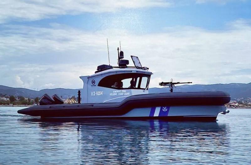 Ντεμπούτο για το νέο φουσκωτό σκάφος του Λιμενικού Σώματος (photos)