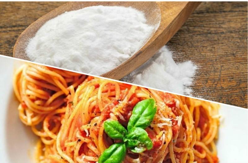 Ρίξτε μαγειρική σόδα στη σάλτσα για τα μακαρόνια - Το απόλυτο μυστικό των γιαγιάδων