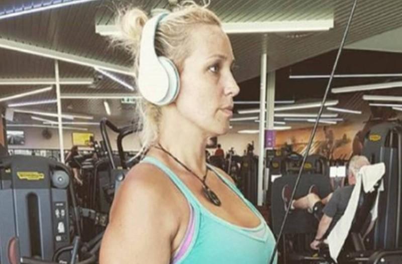 37χρονη μητέρα έκοψε αυτές τις 4 τροφές και έχασε 70 κιλά