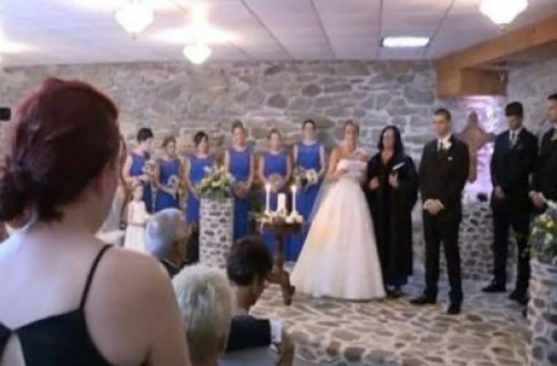 Την ώρα του γάμου η νύφη βλέπει την πρώην του άντρα της - Αυτό που ακολούθησε, δεν περιγράφεται...