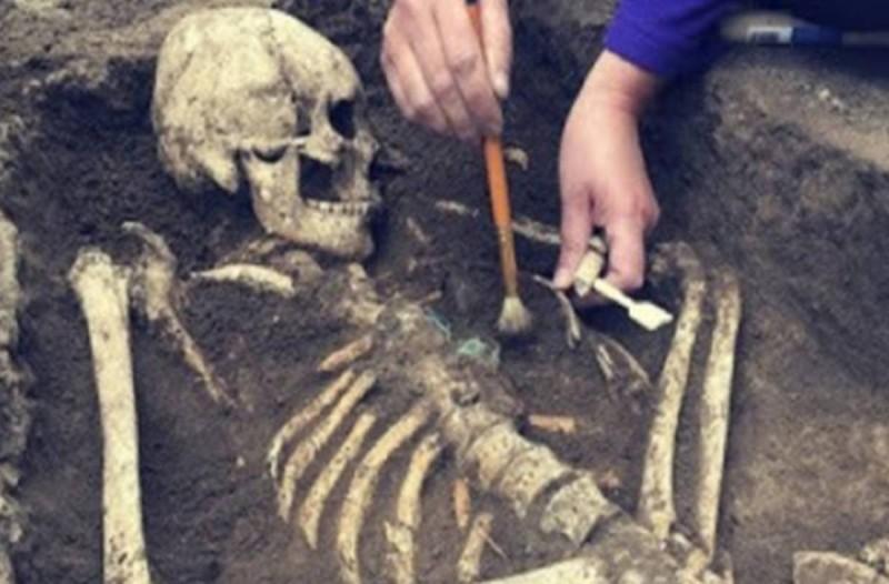 Σοκαριστικό: Η σπάνια και ανατριχιαστική ιστορία της γυναίκας που γέννησε στον τάφο της
