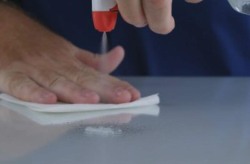 Το πανίσχυρο καθαριστικό με ξύδι και υγρό πιάτων που θα λύσει τα χέρια όλων των νοικοκυρών