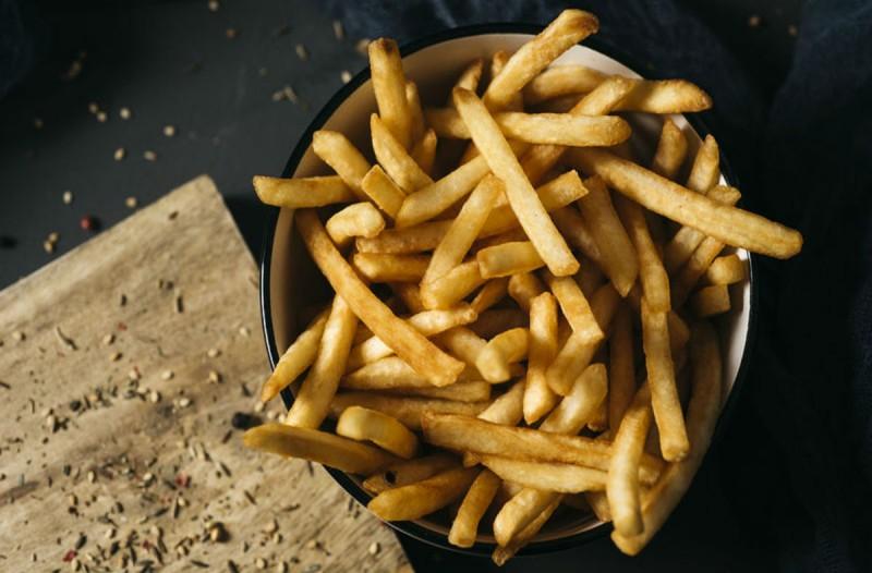 Φτιάξτε τις τέλειες τηγανητές πατάτες με μια κουταλιά αλεύρι