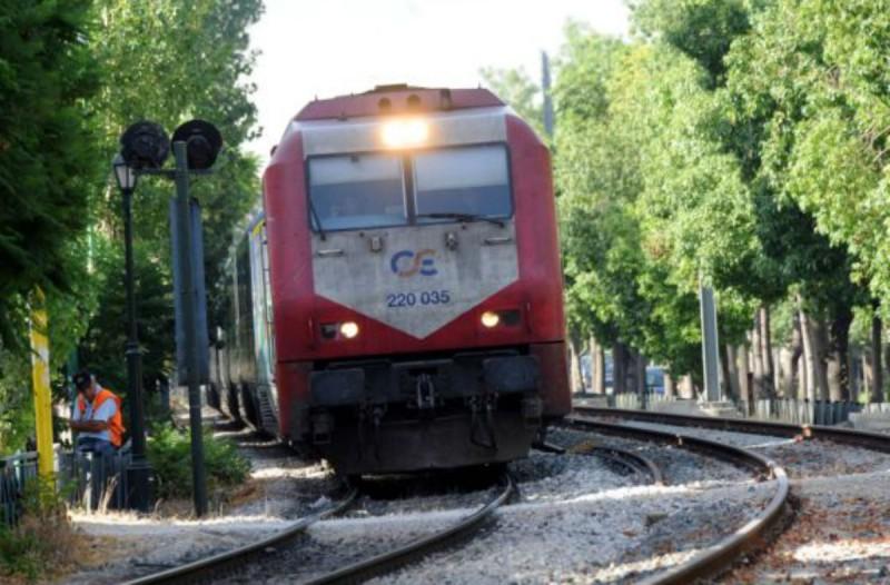 Συναγερμός στην Αλεξανδρούπολη: Τρένο προσέκρουσε σε δέντρο