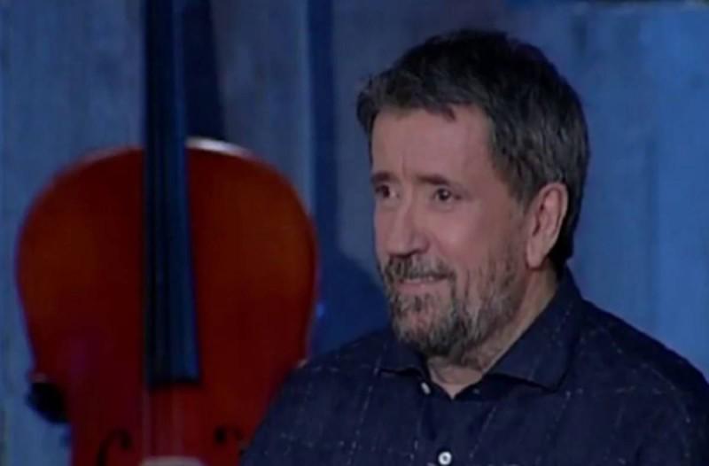Σπύρος Παπαδόπουλος: Αυτές οι 4 κορυφαίες τραγουδίστριες του ρίχνουν πάντα άκυρο και αυτός είναι ο λόγος